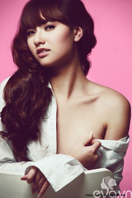 Zheng Hong Que, Model Cantik dari China
