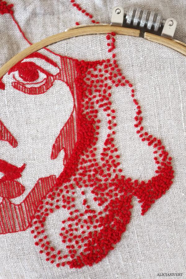 aliciasivert, alicia sivert, alicia sivertsson, delmål två, liljevalchs vårsalong 2015, utställning, broderi, embroidery, french knots, franska knutar, art, porträtt, rött, röd, garn, återbruk