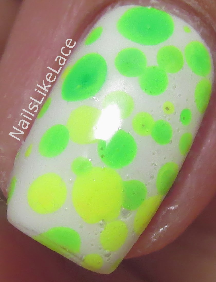 NailsLikeLace: Let\'s Hold on to Summer with One Last Neon Mani!