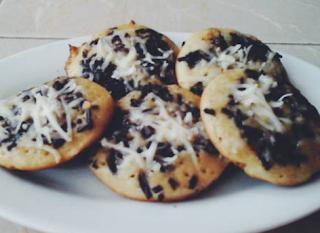 http://resepkue2014.blogspot.com/2015/07/resep-kue-cubit-cokelat-keju.html