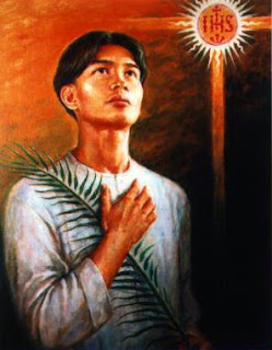 Manila devotees pay their respects to Calungsod image