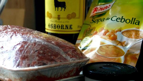 Ingredientes: carne picada, sopa de cebolla, cognac, paté la piara