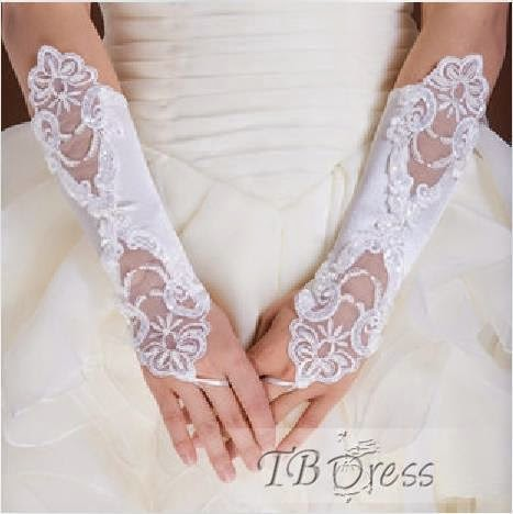 http://www.tbdress.com/product/High-Quality-Lace-Gloves-364146.html
