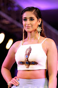 illeana latest photos at fashion show-thumbnail-2