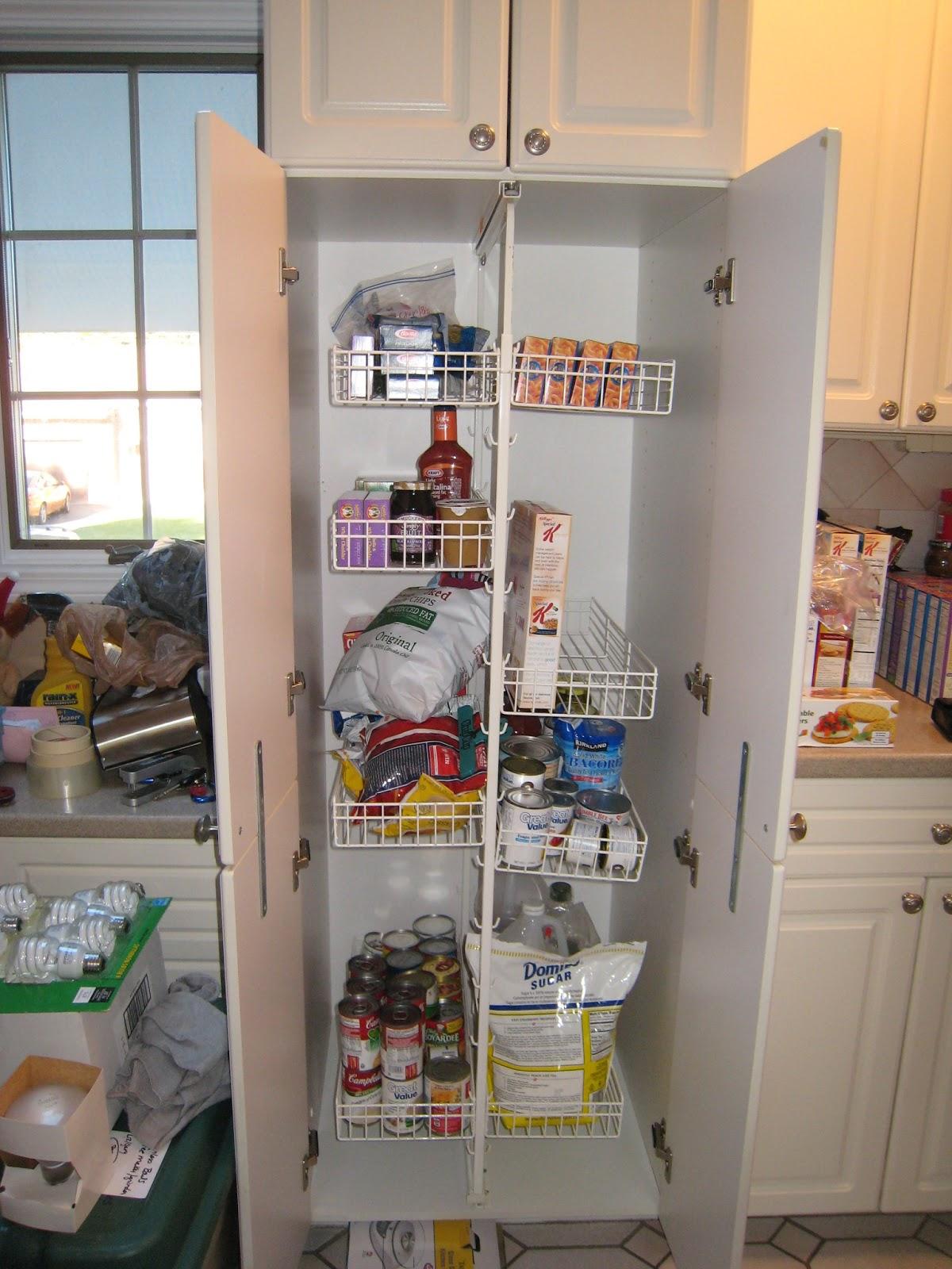 Rhody Life: DIY: Pantry Shelves