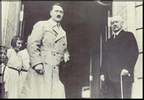 Kanselir Jerman Adolf Hitler dan Presiden Jerman Paul von Hindenburg