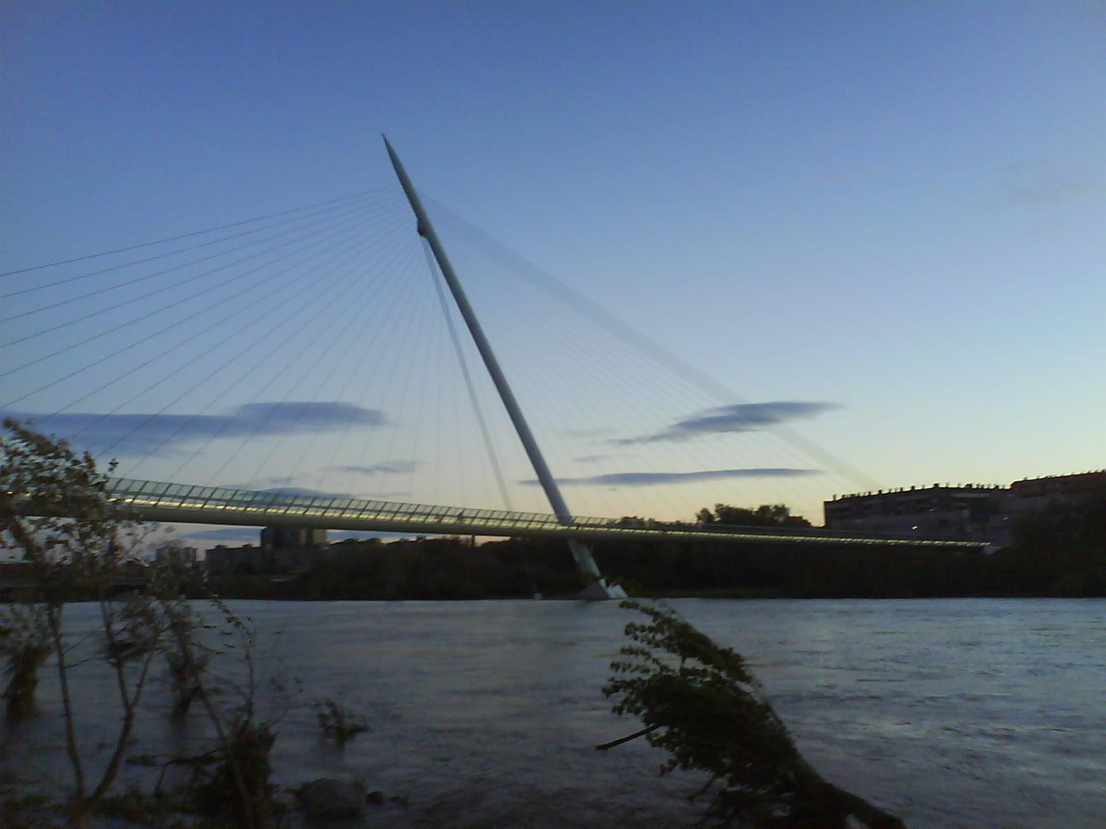 El pincho, pasarela Manterola o del Voluntariado Zaragoza