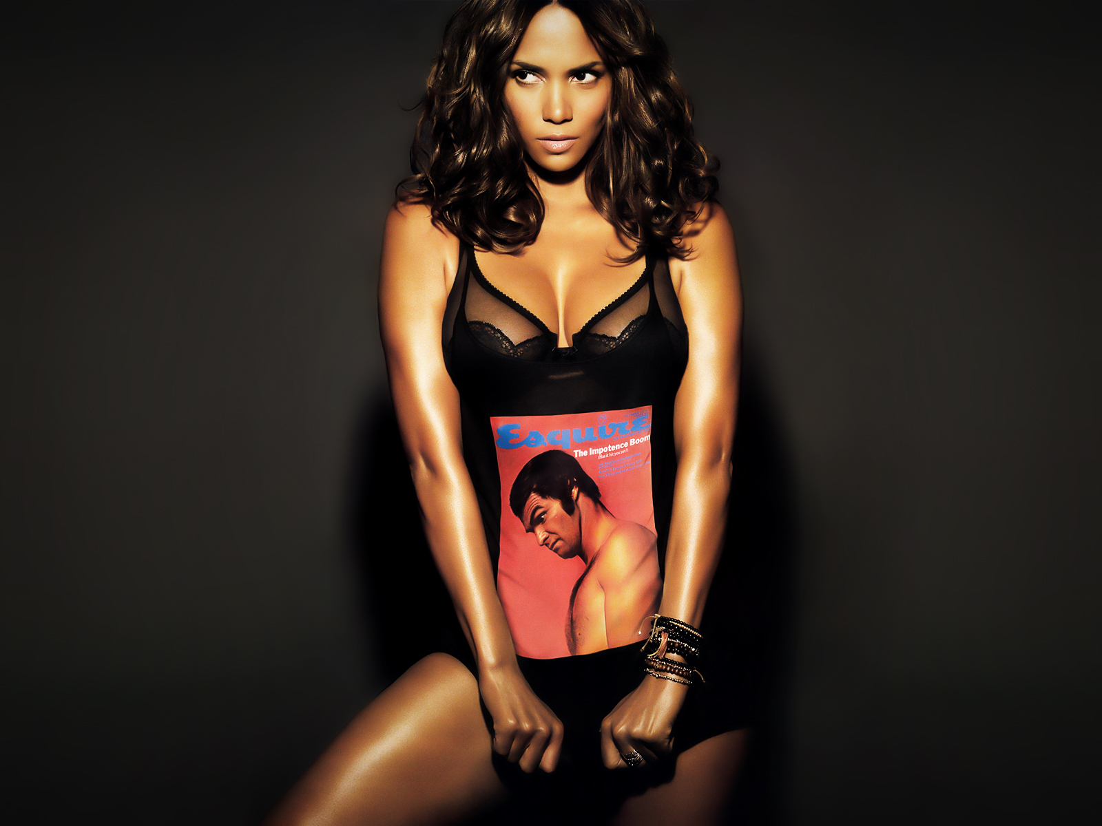 http://2.bp.blogspot.com/-y5yqeWFEtvA/TZFhUWZmhKI/AAAAAAAAACE/7c_CQVgdODY/s1600/beautiful_halle_berry_sexy_in_black-normal.jpg