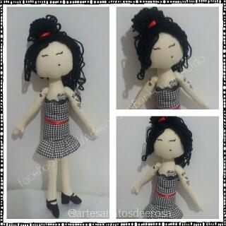 Boneca por Dee Rosa