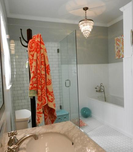 comment installer des panneaux muraux d coratifs pour salles de bains refaire sa salle de bain. Black Bedroom Furniture Sets. Home Design Ideas