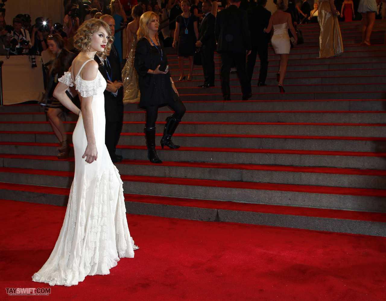 http://2.bp.blogspot.com/-y6P2_5dutUQ/T1LZrB8HXBI/AAAAAAAA_u8/7PAoskt4mRI/s1600/Taylor+Swift+Butt+&+Ass+Pics+59.jpg