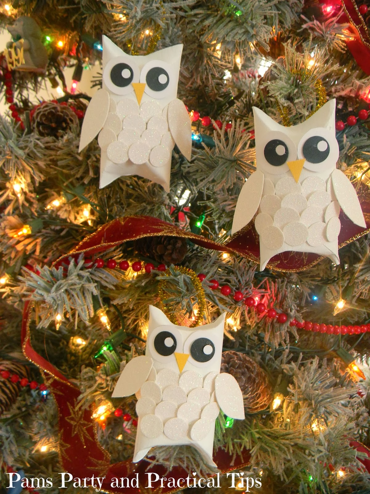Christmas decorations out of paper towel rolls - Pams Party Practical Tips