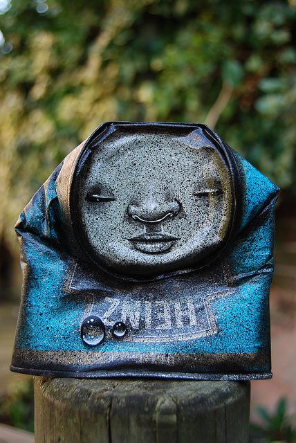 lata pintada reciclada