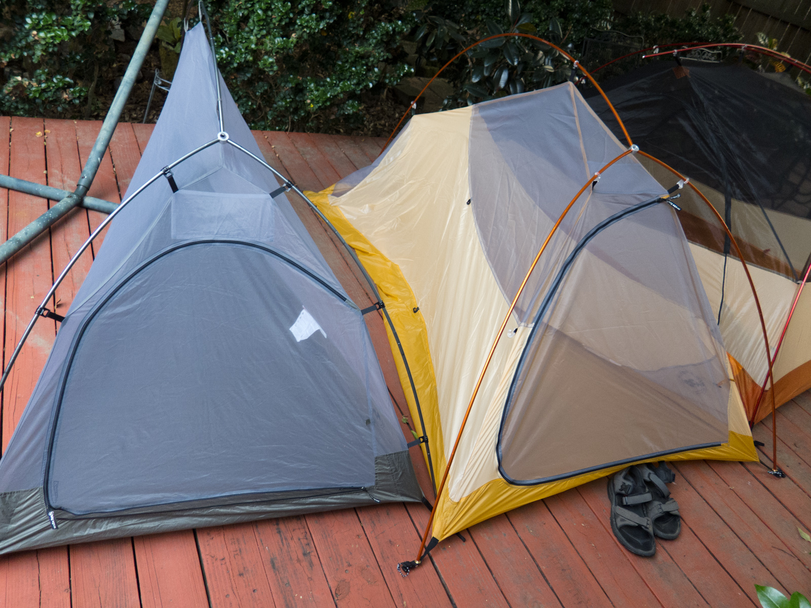 Also as I mentioned I didnu0027t actually stake out the tents but the Fly Creek being a two person tent vs the Seedhouse has massively more floorspace ... & Big Agnes Lightweight Tent Comparison | From A to Z