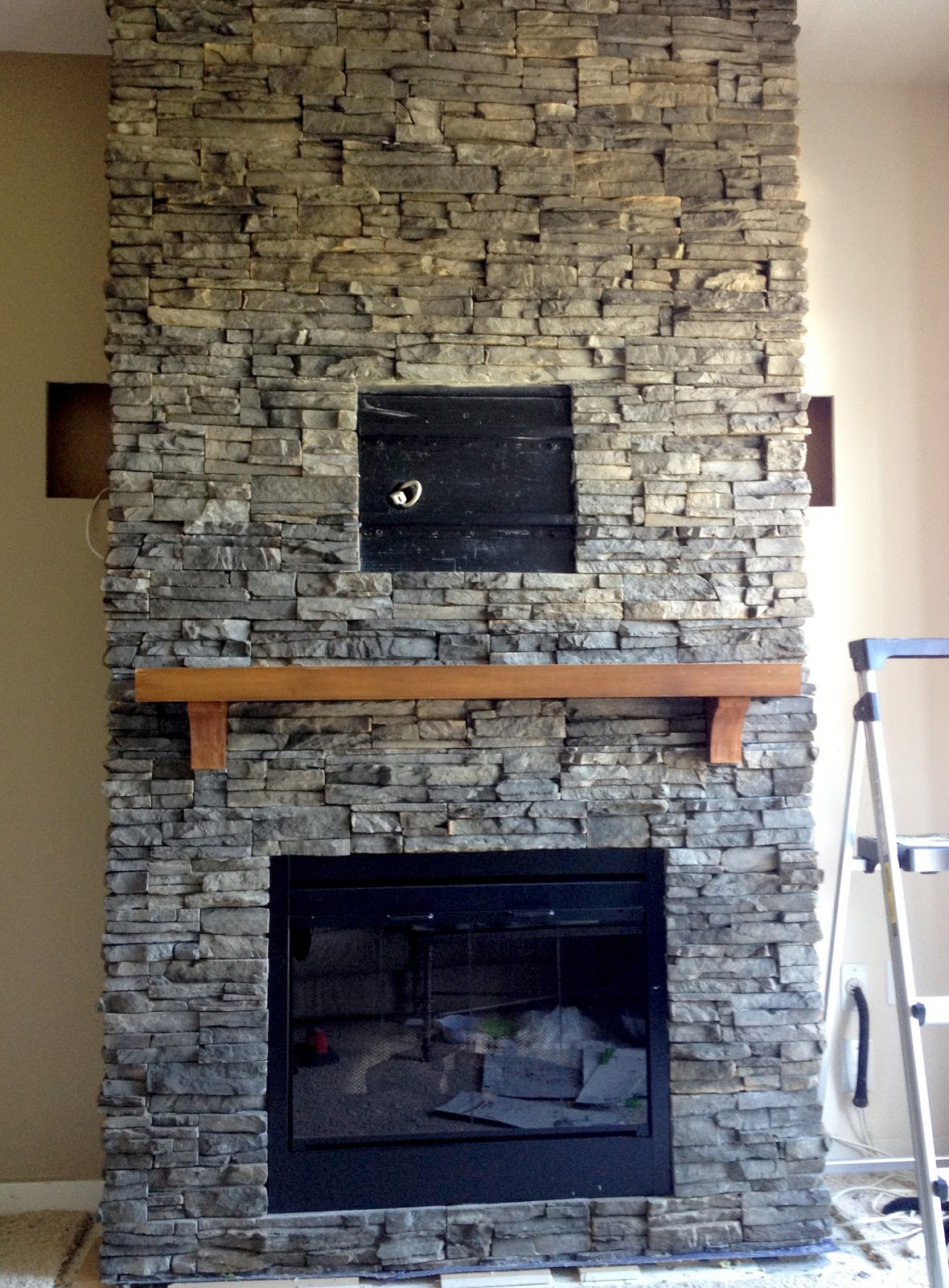 Stacked Stone Fireplace Surround hirondelle rustique: diy stacked stone fireplace (first remodeling