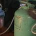 VIDEO - Proizvodnja struje uz pomoć urina - genijalna ideja jednog nigerijskog tinejdžera
