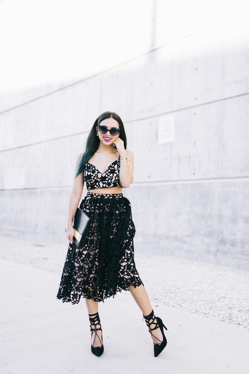 missguided, lace midi skirt, lace bralette, lace up heels, gold plated clutch, fashion, new years, party wear, miami, miami fashion blogger
