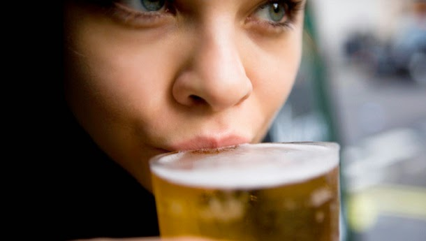 Beber cerveja é bom para a saúde, revelam cientistas