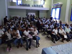 Alunos atentos as conferencias  em comemoração a emancipação política de Rosário.