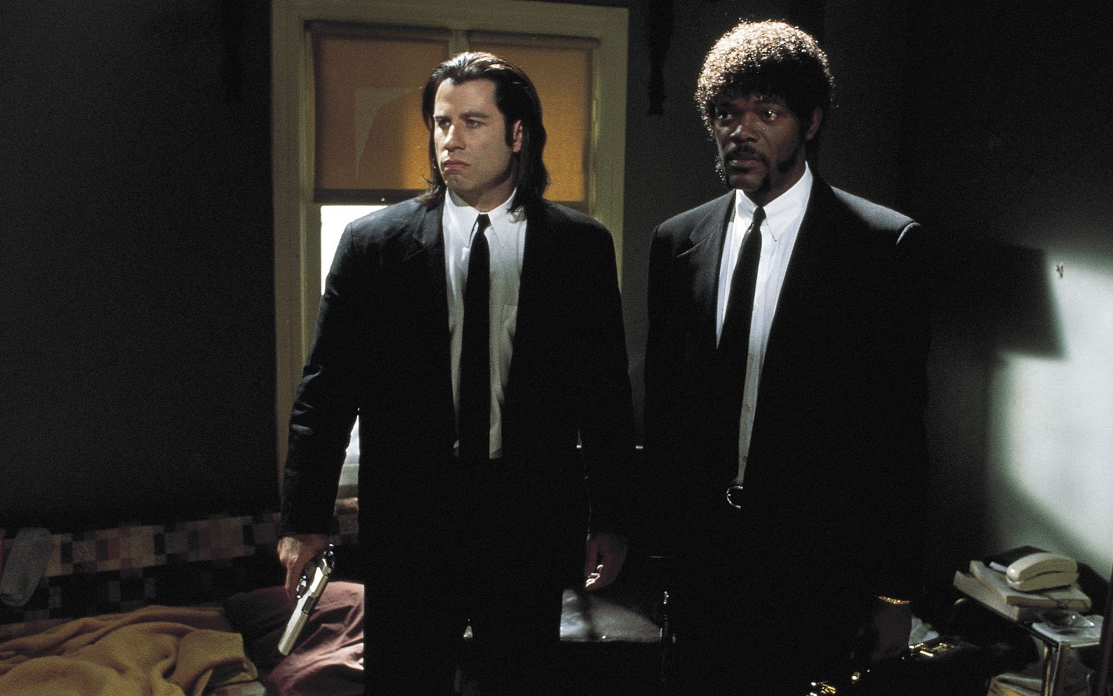 http://2.bp.blogspot.com/-y7YYyGo16RE/UMok4_Fpe-I/AAAAAAAADJM/FNYNEs33P5s/s1600/Pulp+Fiction+-+Vincent+and+Jules.jpg