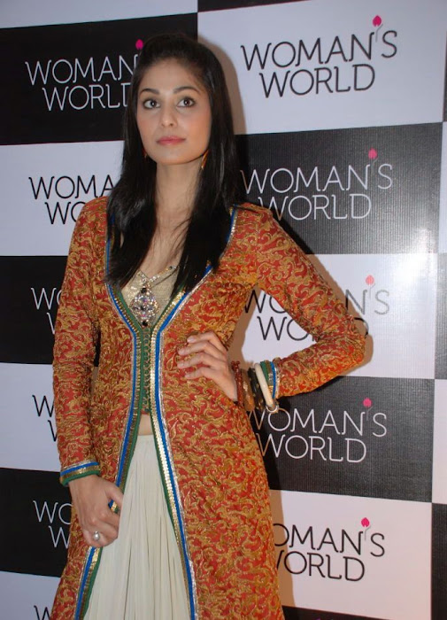 pooja puja gupta hq at womans world logo launch hot images