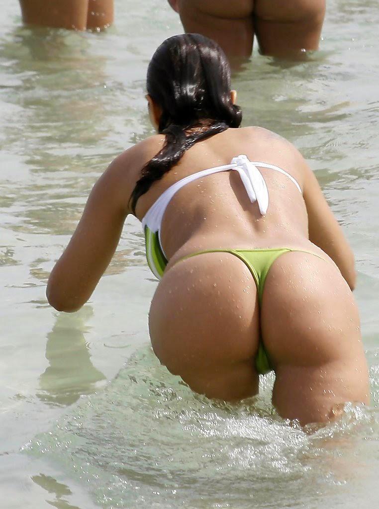 Nana Gouveia Showing Off Her Bikini Body