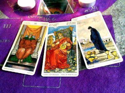 Tirada de tarot de 3 cartas para Acuario en Octubre