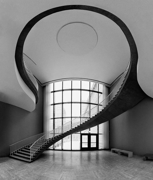 ESCALERA DEL INSTITUTO DE ARTE DE CHICAGO by escalerasbonitas.blogspot.com