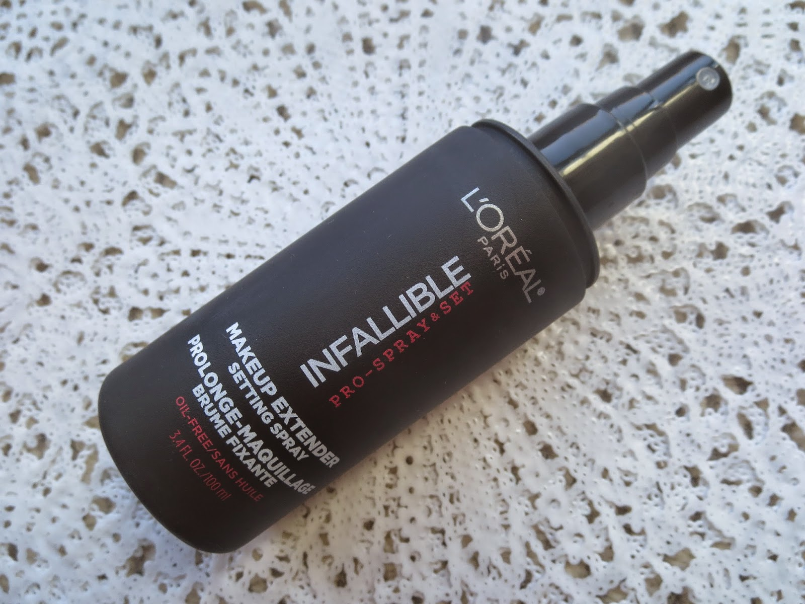a picture of L'Oreal Infallible Pro-Spray & Set Makeup Extender Setting Spray (review)
