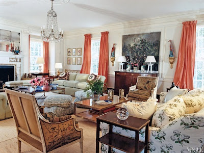 Amazing Ways to Decorate a Romantic Traditional Living Room
