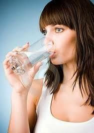 Manfaat Serta Pentingnya Air Putih Bagi Tubuh Kita
