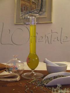 طريقة صنع زيت عطري في البيت