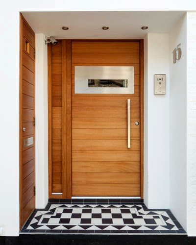 Pintu Kusen Besi Rumah Mewah | Holidays OO