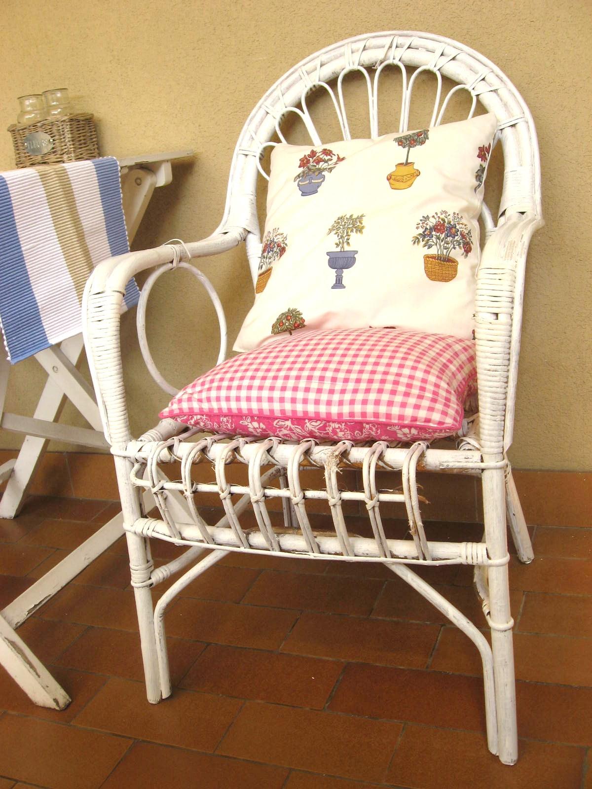 Il patchwork di penny sedie di vimini rinnovate - Sedie in vimini ikea ...