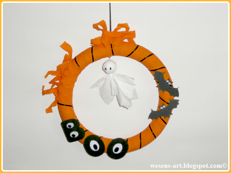 HalloweenWreath  wesens-art.blogspot.com