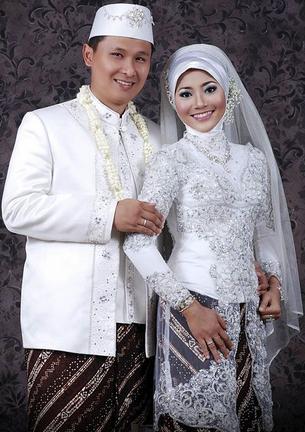Contoh Kebaya Muslim untuk Akad Nikah