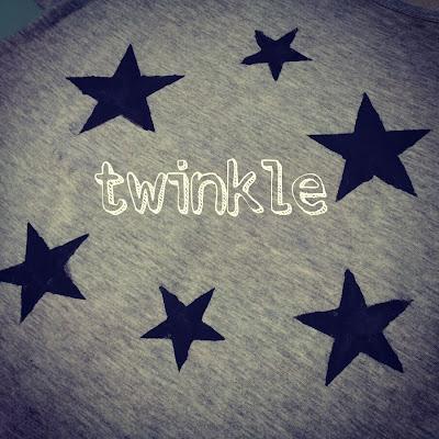 Camiseta con estrellas