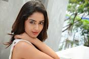 Tridha glamorous photo shoot-thumbnail-14