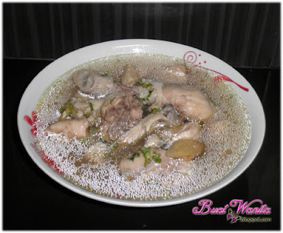 Resepi Sup Ayam Tekanan Simple Senang. Cara Mudah Masak Sup Ayam. Sup Ayam Lembut Sedap. Dimasak Guna Pressure Cooker / Periuk Tekanan.