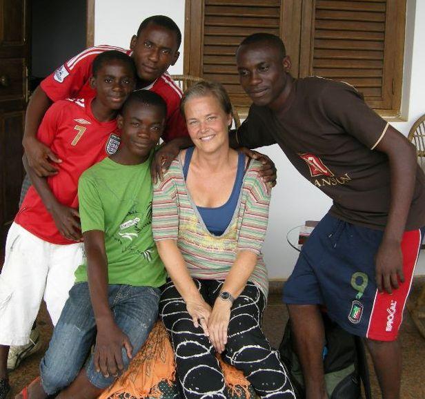 Ecuatorial guinea chicas de Melibea Obono