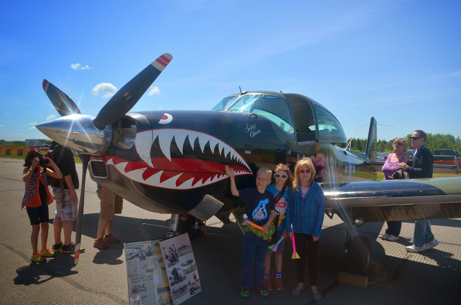 We had a great time visiting an airshow over Fourth of July weekend! #airshow