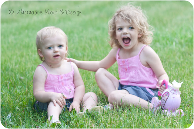 Annie & Kay | Children's Photographer Janesville, WI