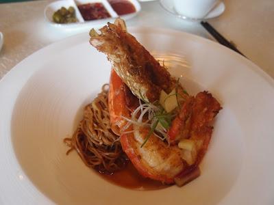 油香焖大河虾生面