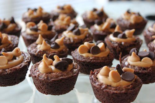 Mom's Cooking Club: Mini Peanut Butter Brownies