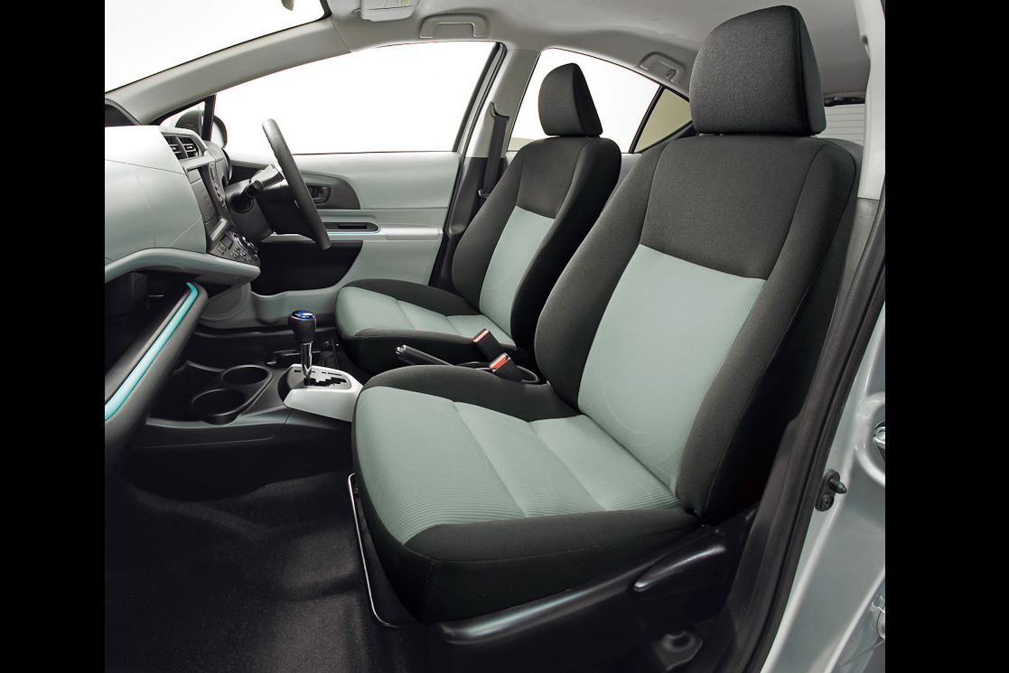 toyota aqua prius c world s most fuel efficient hybrid launched carnoise. Black Bedroom Furniture Sets. Home Design Ideas