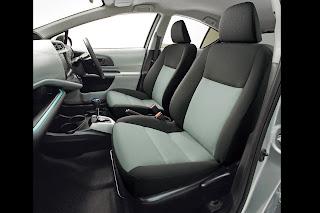 Interior: Front Seat: Toyota New Prius C / Aqua Hybrid