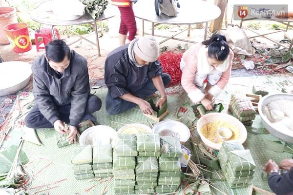 Gia Lai: Cảm động thầy cô vùng cao góp tiền nấu bánh chưng tặng học sinh