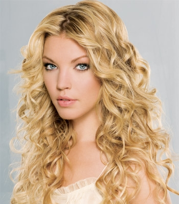 Curly Hair Styles of Girls