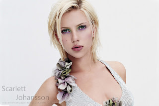 scarlett johansson very hot by macemewallpaper.blogspot.com