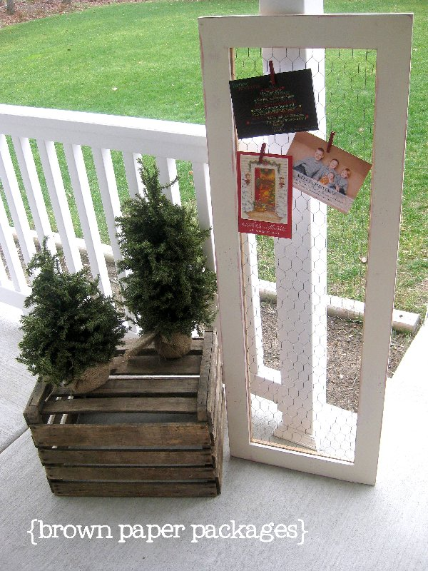 chicken wire framed christmas card holder} - Simply Kierste Design Co.